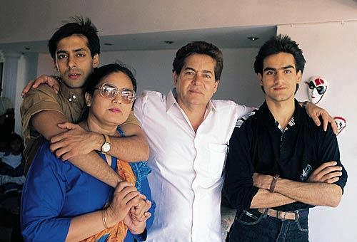 Salman Khan with his mother Salma father Salim and brother Arbaaz.