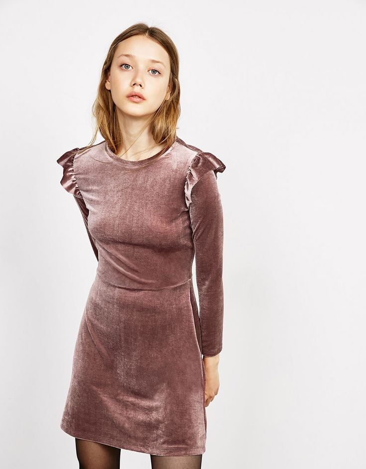 Velvet dress with frills on sleeves - New - Bershka Spain