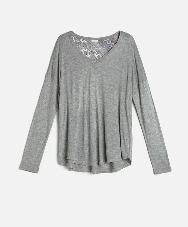 Koszulka z cienkiej dzianiny - Długi Rękaw - Modowe trendy AW 2016 dla kobiet na stronie Oysho: bielizna, odzież sportowa, motywy etniczne i cygańskie, buty, dodatki, akcesoria i stroje kąpielowe.