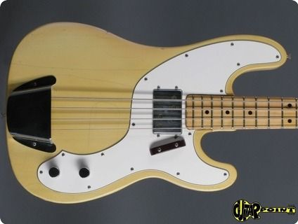 1974 Fender Telecaster Bass - BlondFender Telecaster bass in Blond. The bass is all original and in near excellent condition for its age including orig. Fender black tolex case, hangtag and