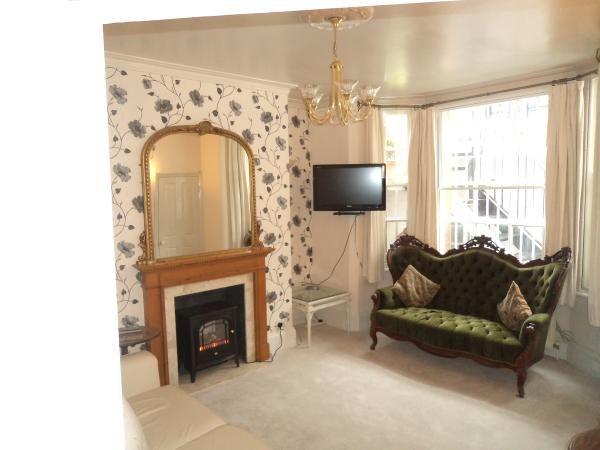 London, #London #AlwaysOnVacation #Holiday #Home #Vacation #Rental www.alwaysonvacation.co.uk #Summer #vintage #interior
