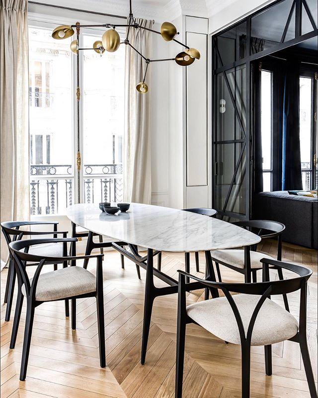 Agence Caroline Andreoni Design D Interieur En 2020 Chaises De Salle A Manger Design Salle A Manger Contemporaine Design Interieur Contemporain