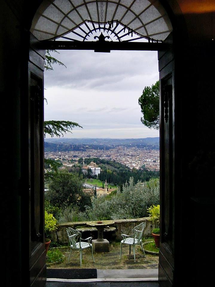 Sguardo su Firenze....e adesso lezione!  #lizard #accademia #fiesole #firenze #musica www.lizardaccademie.net