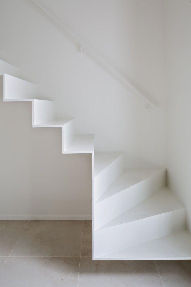 Un escalier aux lignes ultra légères ! On est fans du rendu ! #dccv #stairs #escalier: