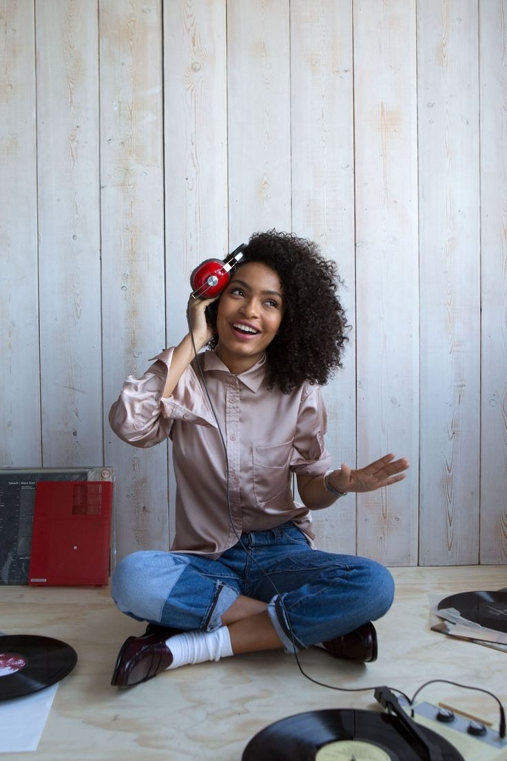 Yara Shahidi changes her playlist all with a push of a button on your Q Accomplice hybrid smartwatch.