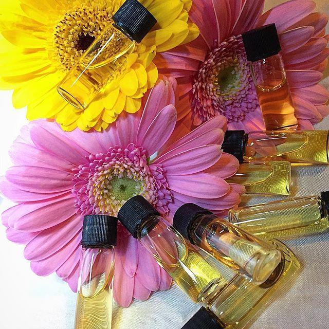 Perfume samples... #artisanperfume #nicheperfume #perfume #fragrance #parfum #parfym #parfem #natural #handmade #etsy #etsyshop #etsyseller #etsyfinds #etsystore #etsyuk #nottinghametsyteam #madeinengland #madeinnottingham #nottingham #smallbusiness #entrepreneur #supportlocal #supportsmallbusiness #shoplocal #intubroadmarsh #itsinnottingham