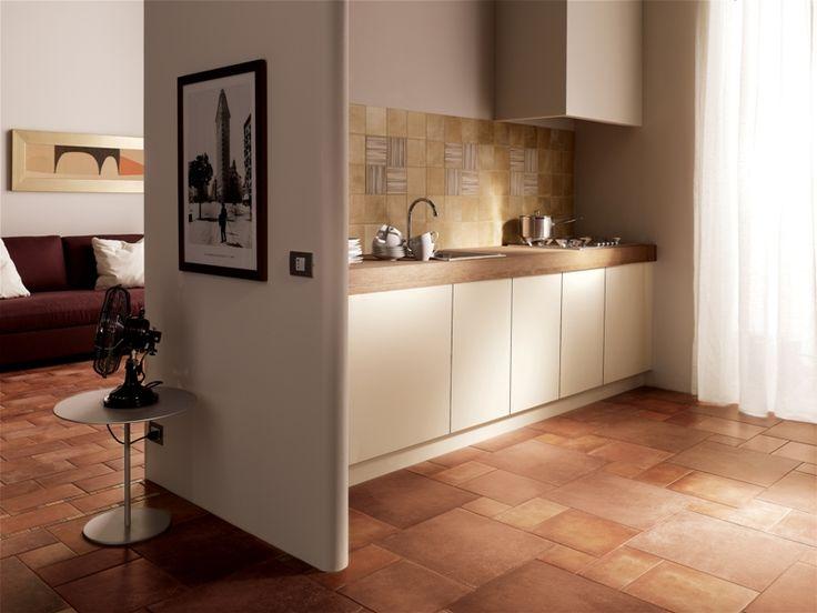 Obklad do kuchyně v rustikálním stylu. Mnoho formátů a barev, které se dají kombinovat s dlažbou.