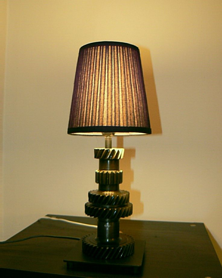 Lampa z ozubenia