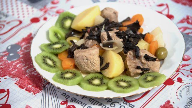 """- Plat / Viande - Catherine de Fleurat en Creuse vous propose sa recette """"Blanquette de veau en jardinière""""."""