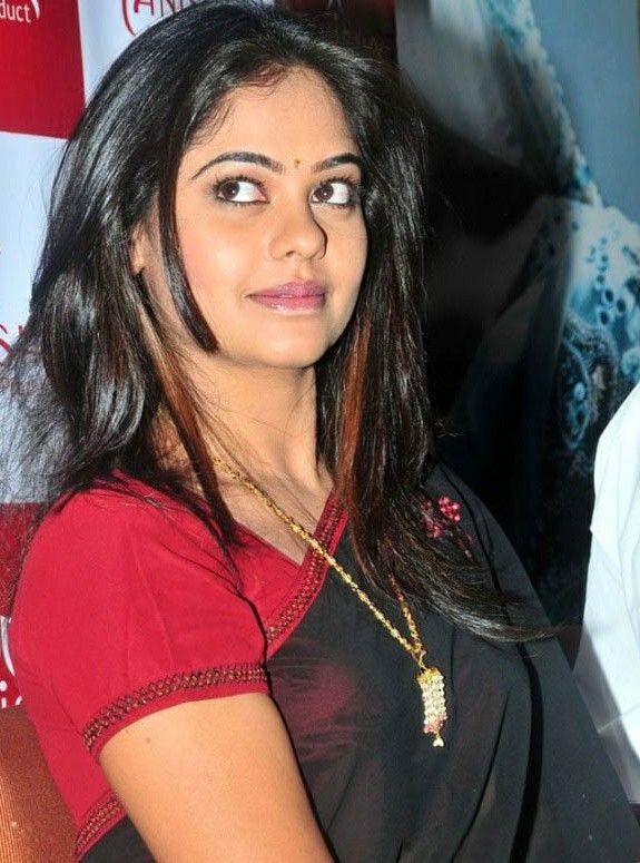 Bindu Madhavi nice looks