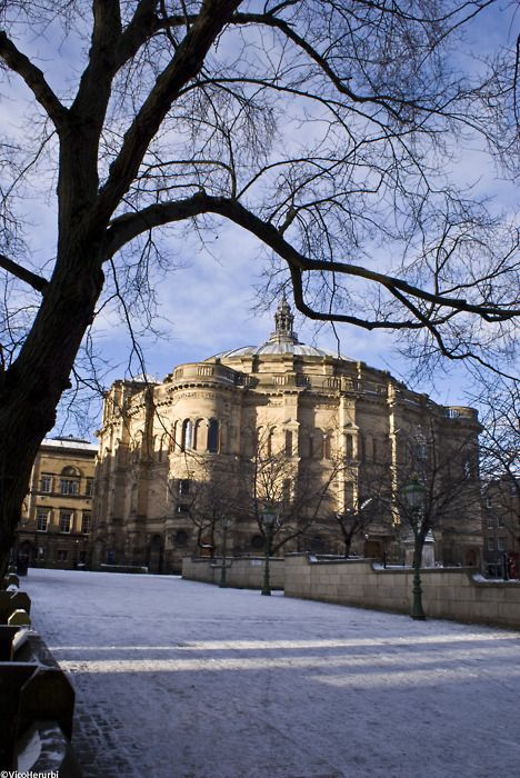 Edinburgh University, founded in 1583. Alumni include Charles Darwin, David Hume, and Sir Arthur Conan Doyle. (Michael Dunn 1993-97)