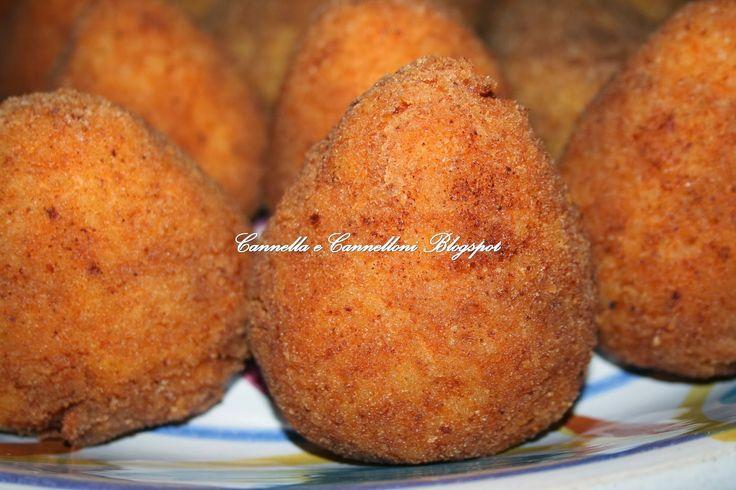 Cannella e Cannelloni: Arancini siciliani al sugo