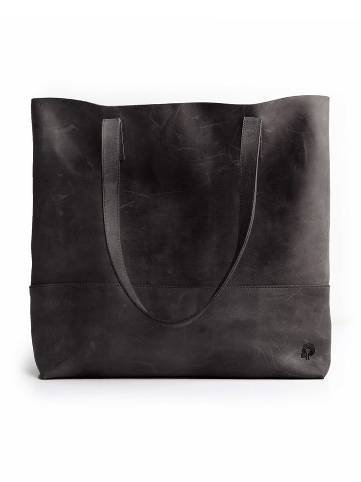 Mamuye Tote in black // livefashionABLE.com
