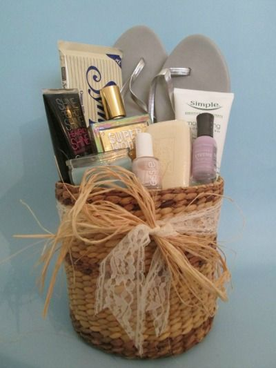 Bridesmaid gift basket from Weddingbee Projects