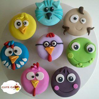 lottie dottie chicken fondant cakes - Buscar con Google