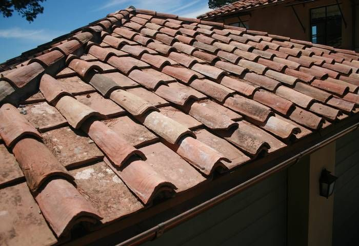 Clay Roofing Tile Is An Art As Ancient As The Mediterranean Itself The Ancient Roman Construction Patterns Have Produced Clay Roof Tiles Clay Roofs Roof Tiles