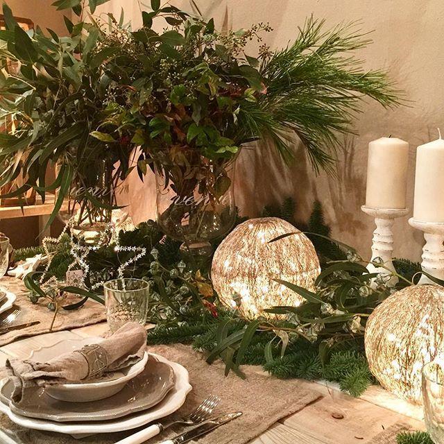 Avance navideño espectacular la colaboración con @lourdesdeabadal_blancozinc #navidad2106 #christmas #artefloral #homedecor #lamagiadelanavidad #lovemywork#whitechristmas #mercantic#tessaandco #bcn