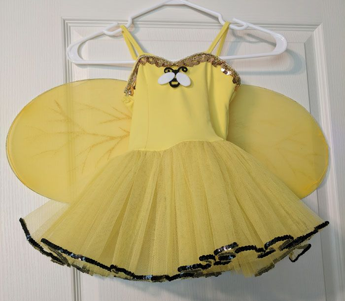 Buzz. Buzz. Don't miss out on this deal. Buy used. Save big with this ballet costume your little girl will love.