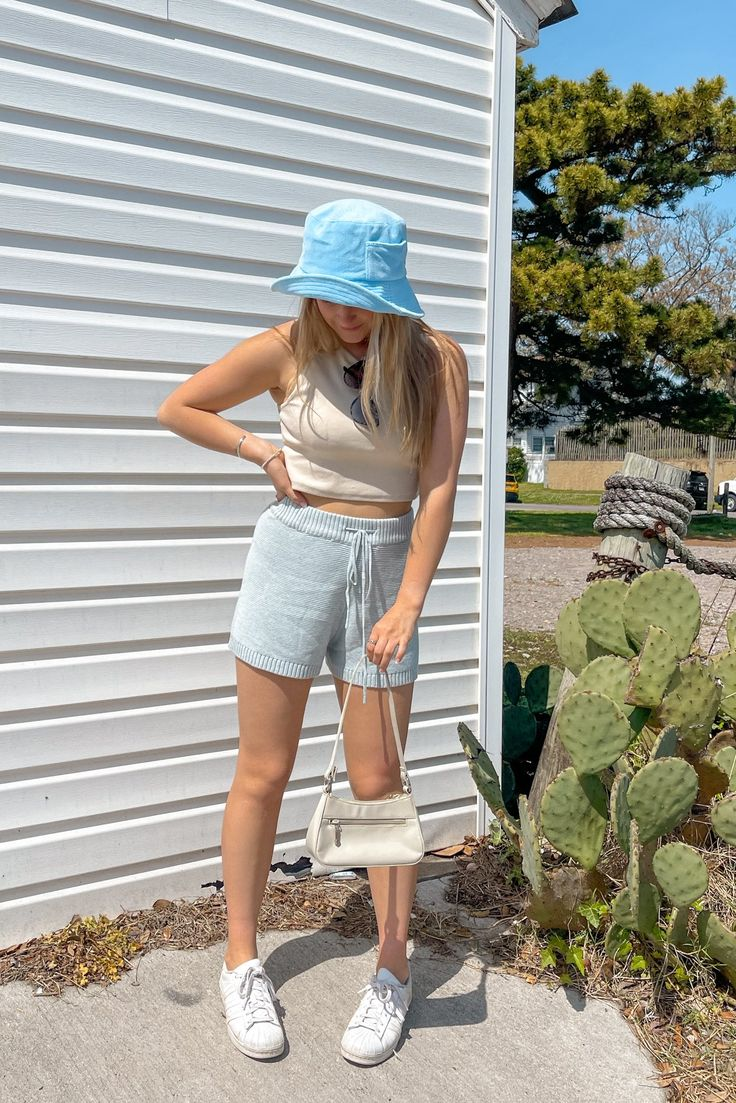 Terry Towel, Street Look, Beach Day, Aqua Blue, Trendy Outfits, Bucket Hat, Waves, Easy, How To Wear