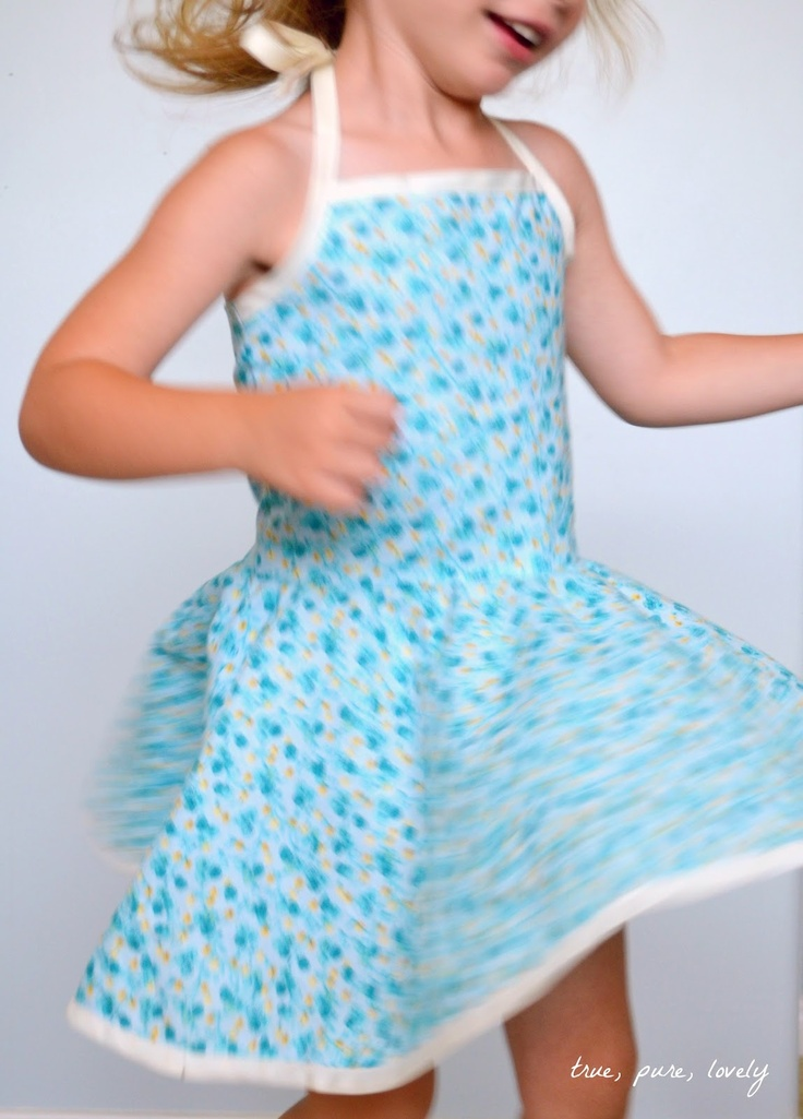 Project Run and Play: Flickr Friends: Tara from True Pure Lovely. tutorial for a circle skirt sundress!  Shirred in the back - adorable!