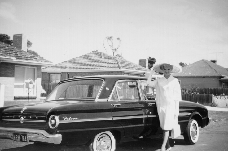 Winner of the 1962 Flemington Fashions on the Field with her prize
