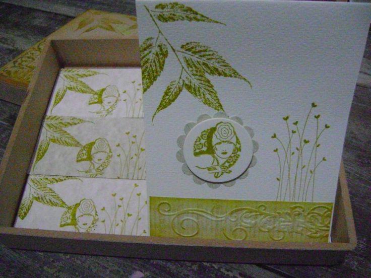 Tarjetas hechas a mano, presentadas en caja decorativa. Diseños Marta Correa Blog: 321 643 63 84 Cel: 321 643 63 84