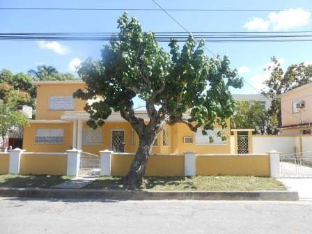 Casa Amarilla  Owner:                             Jose Manuel Perez Grille y Martha Elena Hernández Peña  City:                                Cienguegos  Address:                          No.1204 Calle 39 entre 12 y 14 Punta Gorda, Cienfuegos, Cuba