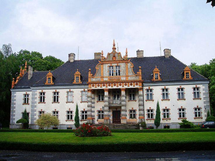 Pałac w Siemianicach (powiat kępiński)  wzniesiony w 1835 roku przez Piotra Szembeka. Pałac należy do Uniwersytetu Przyrodniczego w Poznaniu i znajduje się w nim Leśny Zakład Doświadczalny.