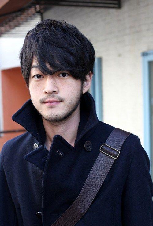 Kühle koreanische Mens Haircuts