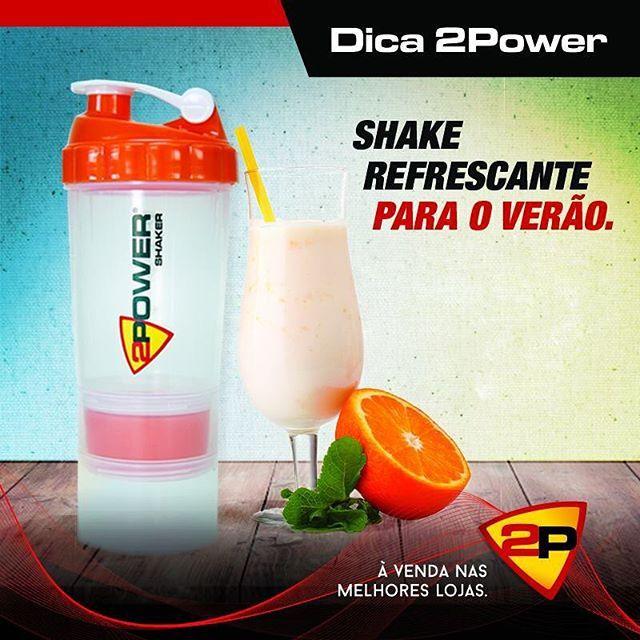 Para iniciar a semana nada melhor do que um shake super refrescante! -½ xícara de suco de laranja -1 copo de iogurte de baixa gordura, aroma de baunilha -1½ xícaras de leite desnatado -2 colheres de pó de proteína de soro de leite ou de soja sabor morango -1 colher de sopa de mel  Misture com o MEGA SHAKER 2 POWER, acrescente gelo e deguste!  #2power #2powersports #shaker #powermixer #powershaker #powershaker400 #megashaker #powershakeraluminio #relax #healthy #healthylife #treino #foco…
