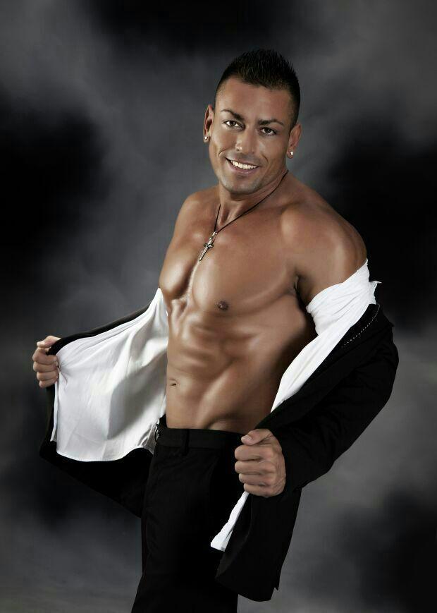 Angel Boys de Barcelona uno de los mejores y profesionales stripers con mucho glamour