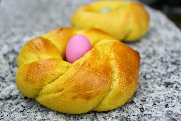 Easter buns with saffron