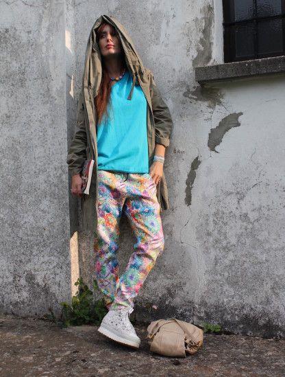 Ho appena scoperto  sky and flowers  su STYLIGHT!  @stylight #floral #outfit  #streetstyle #print #lightblue #parka #girl #blogger