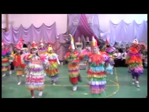 Felsőnyárádi Farsang 2013 - 4/A osztály Papagájok - YouTube