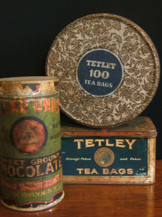 I'm obsessed with Tetley tea. These vintage tea tins would make the best planters for some sempervivums! Would look fantastic on our apartment's balcony table!