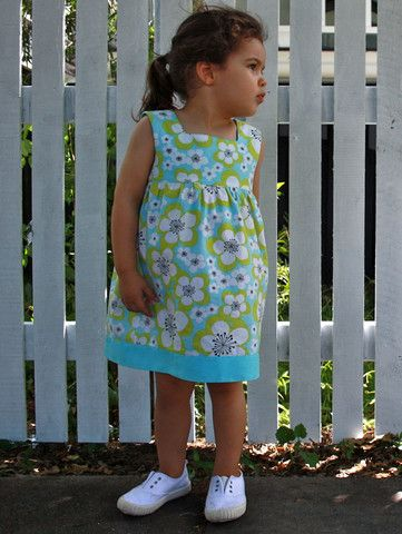 Wish my nieces were still little so I could buy them this 'Hibiscus' dress – Little Emperor