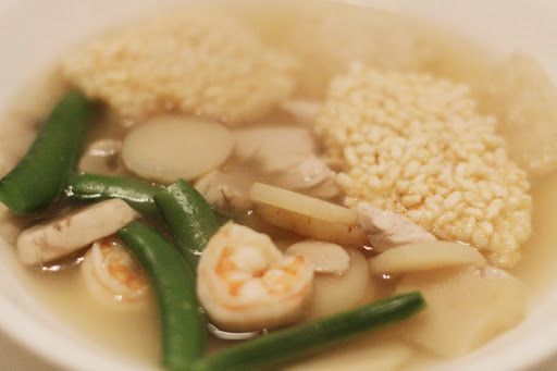 Chinese Sizzling Rice Soup (Eat me!)