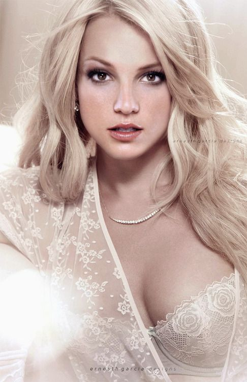 Intimate Britney Spears … 2004
