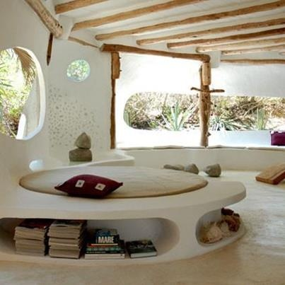 17 best images about round houses on pinterest house for Round bed interior design