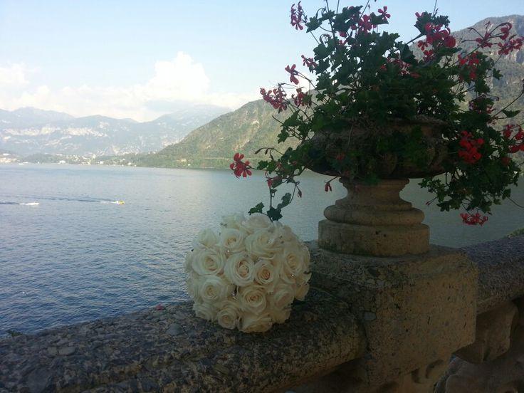#BridalBouquet #LakeComoWeddingsAndEvents #LakeComo #Roses