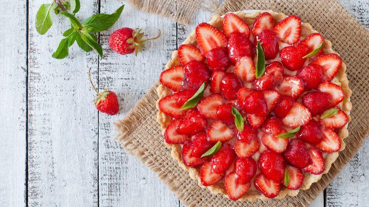 Jahodovo-rebarborový francouzský koláč