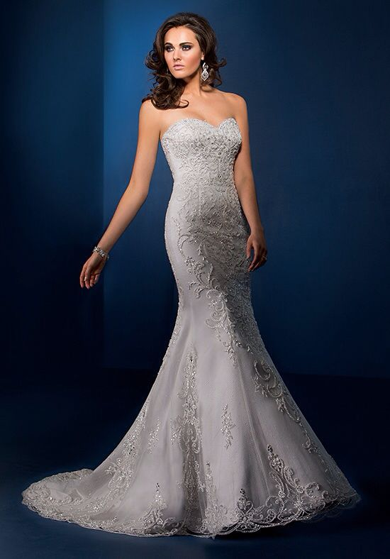 194 best blingy wedding dresses images on pinterest for Used short wedding dresses