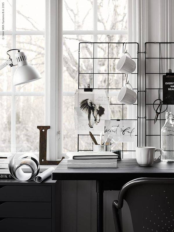 Looking for inspiration for your home office? We love this Desk Space | DunnDIY.com | #inspiration