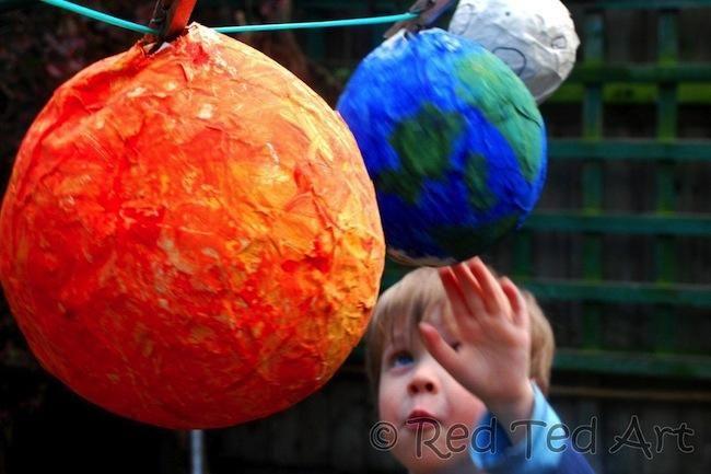 planetas globos papel maché niños