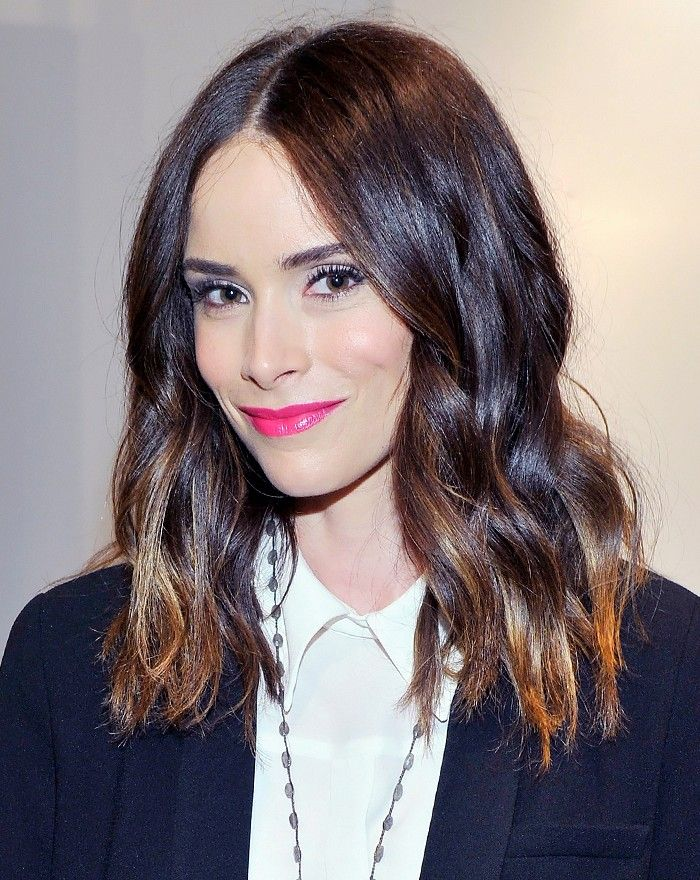 There are hot pink lips and then there are Abigail Spencer's hot pink lips.