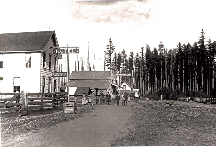 This Photo Circa Late 1870s Is The Earliest Known Of Sandy It S Facing East Towards Mt Hood With Revenue Hotel Tour Site 6 In Th