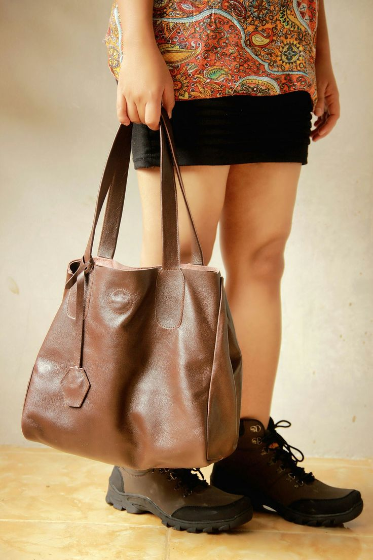 Do this product photography, i am feel so happy .. Vencedor ID the leather bag    #bag #productphotography #bagphotography