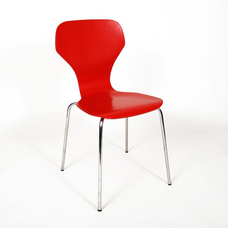 As the name implies our Classic chair is a classical shell chair; its simple mode of expression and exquisite seating comfort is what our Classic chair offers. The timeless design and high quality is made to last for decades #danerka #designerfurniture #danishdesign