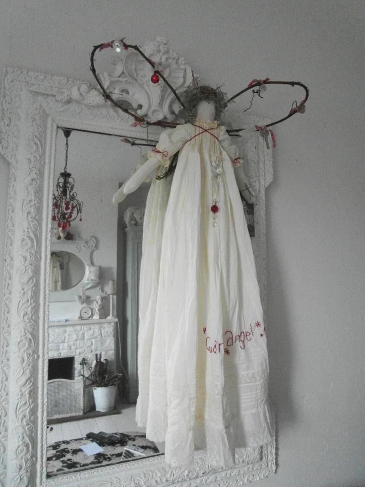 http://3.bp.blogspot.com/-iIsOmbsIV-A/TtfNvHDppHI/AAAAAAAAdPg/vEXJHG9Jiu4/s1600/angels%2B001.jpg