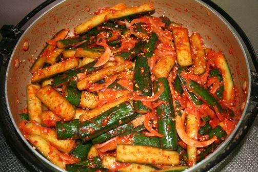 オイキムチの作り方(きゅうりキムチのレシピ) | 韓国料理店に負けない韓国家庭料理レシピ「眞味」